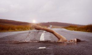 nageur sur route de Jonny Lindner
